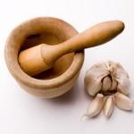 Тибетський рецепт часникової настоянки, який використовується для омолодження