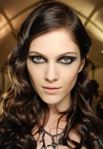 модний колір волосся 2015 - чорний