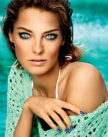 Літній макіяж для українських красунь на яскравих фото