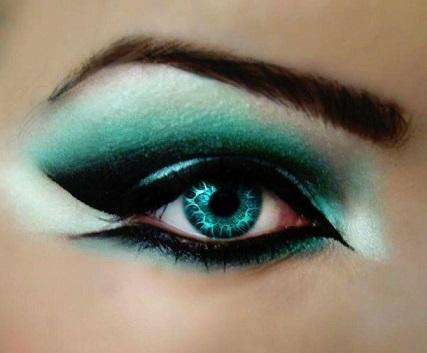 Зелений макіяж і багато фоток