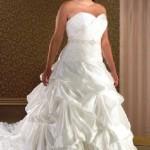 Як вибрати весільну сукню для повної фігури?