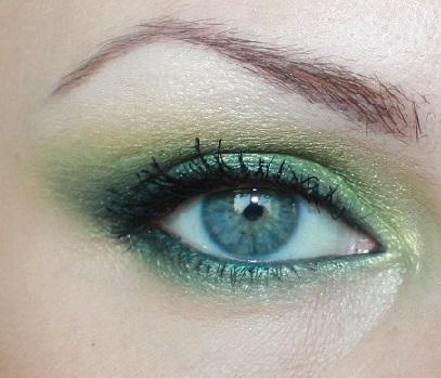 Красивий зелений макіяж на підбірці фото