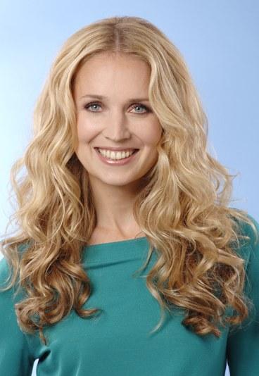 Фото простих і гарних зачісок для довгого волосся.