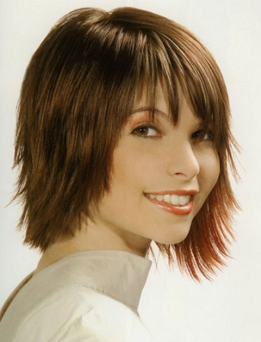 Волосся середньої довжини та сучасні зачіски, приклади фото.
