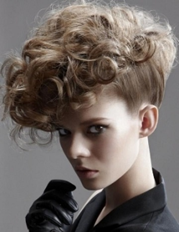 Сучасні зачіски - приклади яскравих фото.