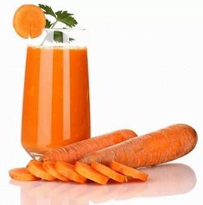 Народний засіб від глистів - сік моркви.
