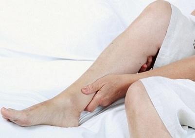 Крутять ноги вночі, що робити?