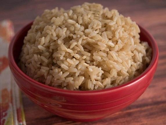 Користь бурого рису і лікувальні властивості.