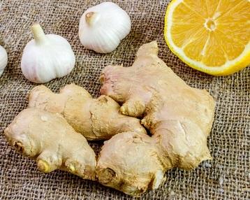 Імбир, лимон і часник — чудова протидія коронавірусу.